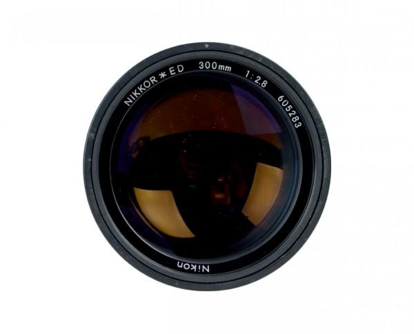 Nikon Nikkor ED 2,8/300mm | Generalüberholt inkl. 12 Mon. Gewährleistung