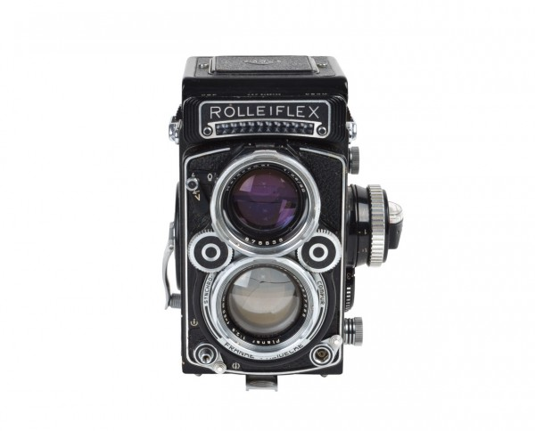 This Rolleiflex 2.8F incl. original leather case and lens cap | refurbished incl. 12 months warranty