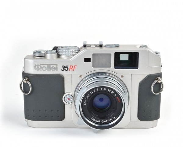 Rollei 35 RF | Sonnar 2,8/40mm incl. original packaging, camera case and camera strap | refurbished incl. 12 months warranty
