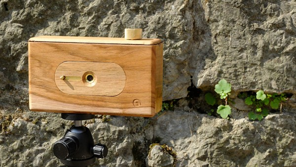 Spiral 66 wooden pinhole camera for 120 type film